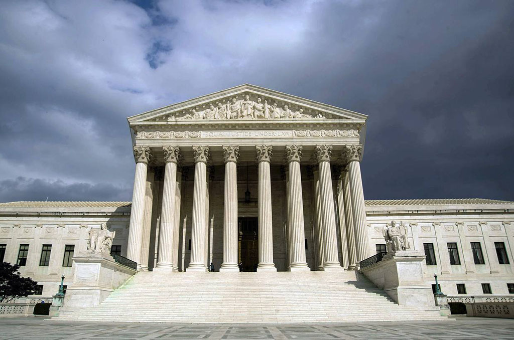 US court fines and bars three binary options firms